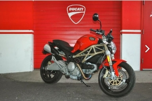 Ducati Monster 696 Anniversary