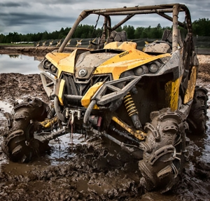 Сравнение Polaris RZR XP 1000 High Lifter Edition и Can-Am Maverick X mr