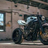 Великолепный ретро-кастом от Венли Эндрюса – Honda CBR
