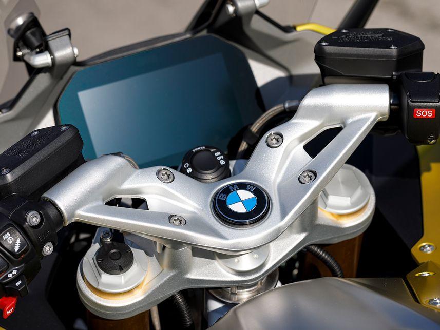 BMW R 1250 RS MC 2020: легкий спортивно-туристический байк